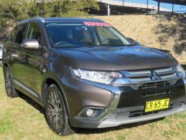 Mitsubishi Outlander Pk ZK  LS Safety