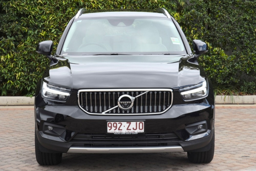 2019 Volvo XC40 XZ T4 Inscription Suv Image 2