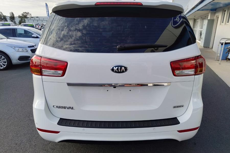 2015 Kia Carnival YP S Wagon Image 6