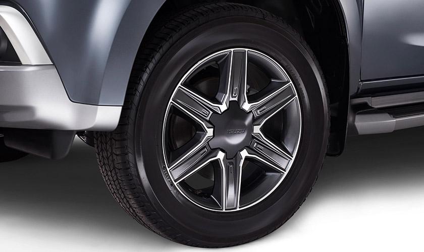 """<img src=""""Two-Tone 18"""" Alloy Wheels (LS-U/LS-T Models Only)"""