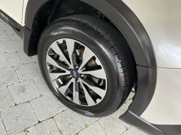 2017 Subaru Outback 2.5i - Premium Suv Image 5