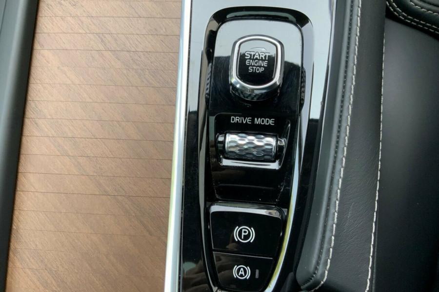 2018 MY19 Volvo XC90 256 MY19 D5 Inscription (AWD) Suv Mobile Image 16