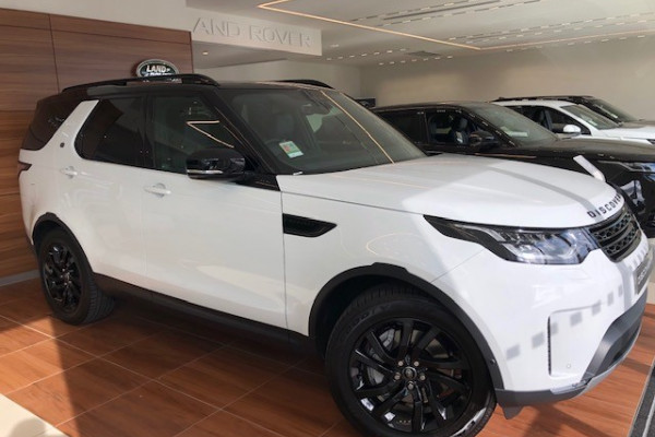2019 Land Rover Discovery Series 5 SE Suv Image 2