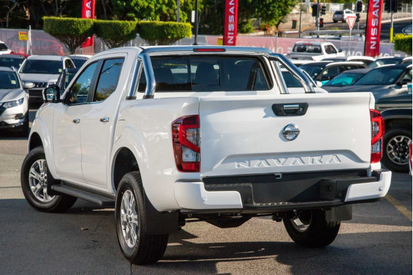 2021 Nissan Navara D23 Dual Cab ST Pick Up 4x4 Utility Image 5