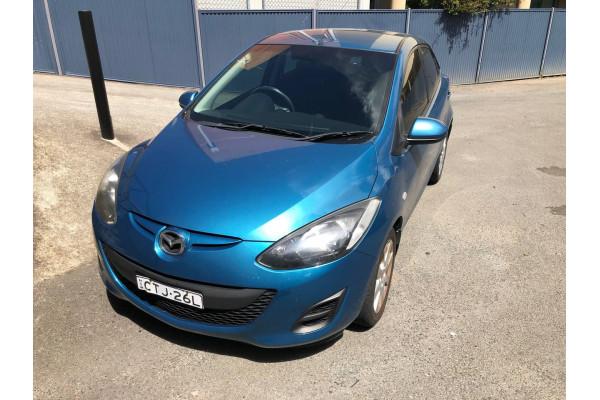 2014 Mazda 2 DE Series 2 MY14 Neo Sport Hatchback Image 2