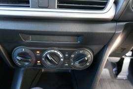 2016 Mazda 3 BM5478 Neo Hatchback