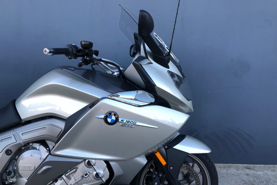 2011 BMW K1600 GTL Motorcycle Image 18