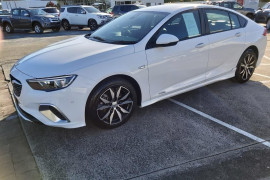 2018 Holden Commodore Tail lift Mobile Image 3