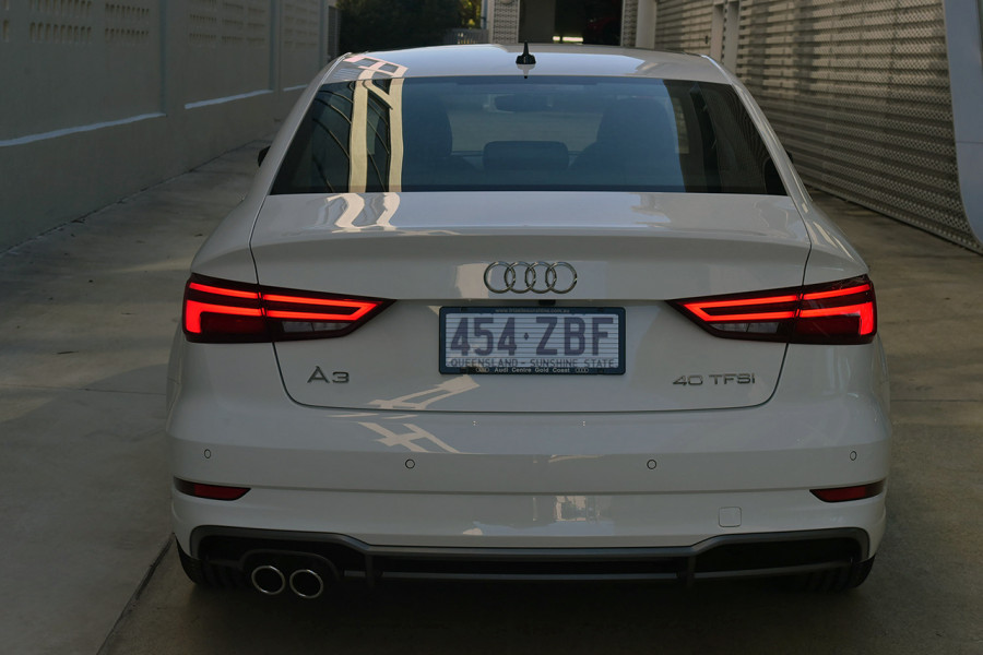 2019 Audi A3 40 S-line 2.0L TFSI S-tronic 140kW Sedan Mobile Image 5