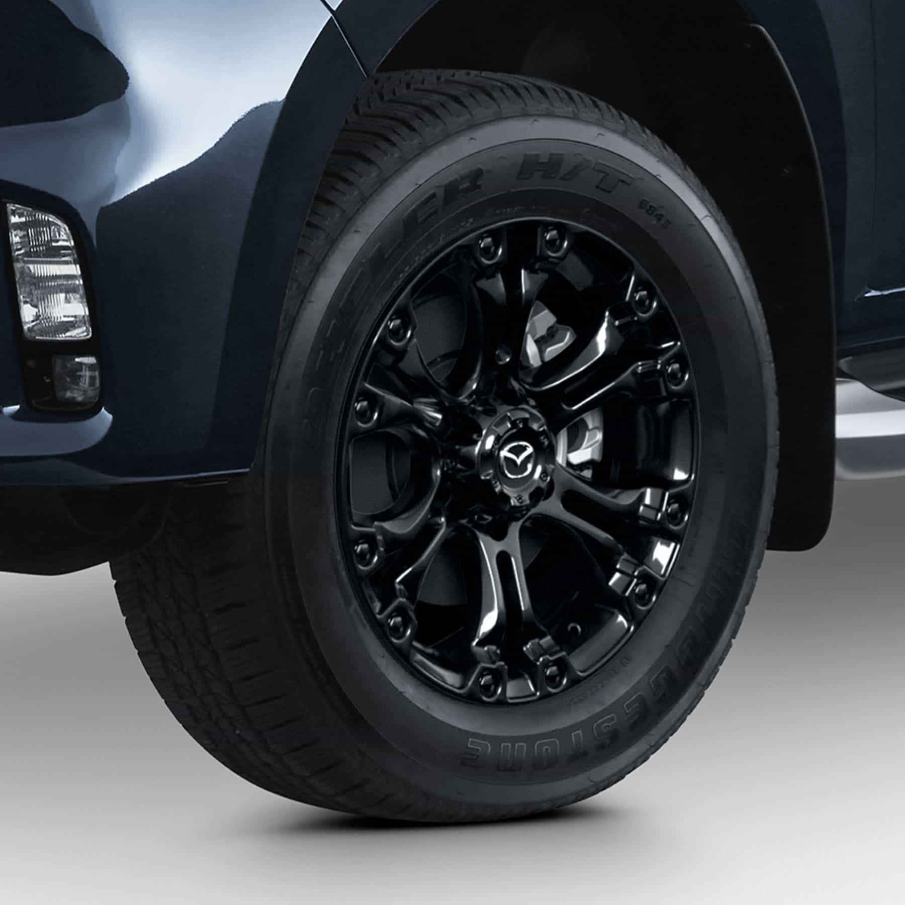 17 Inch Black Alloy Wheel