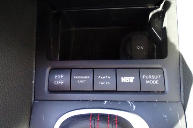 2010 Volkswagen Golf GTI 16 of 24