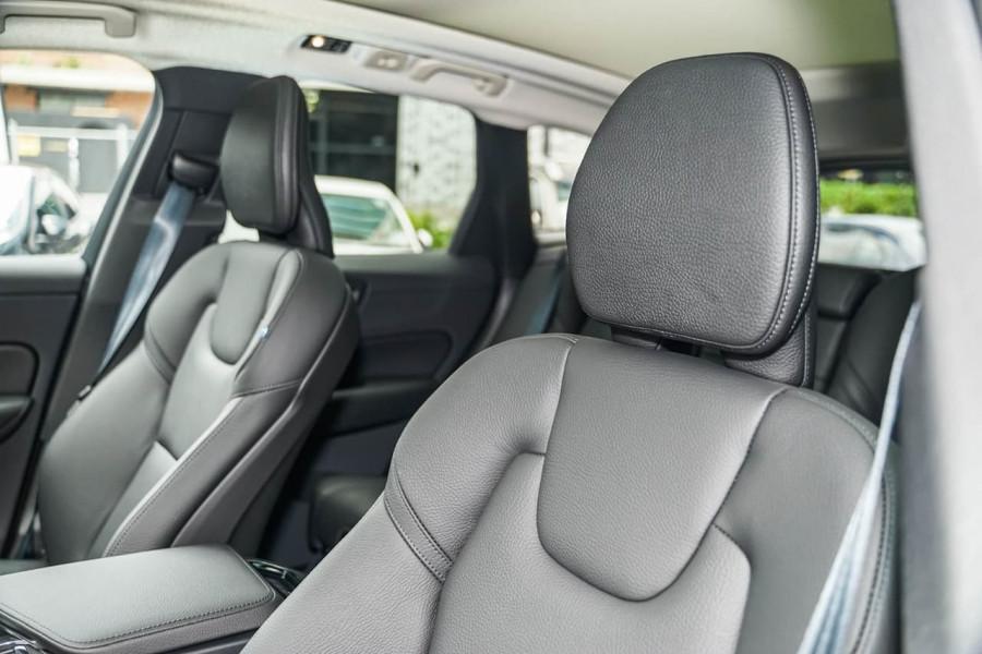 2020 MY21 Volvo XC60 UZ T5 Momentum Suv Image 7