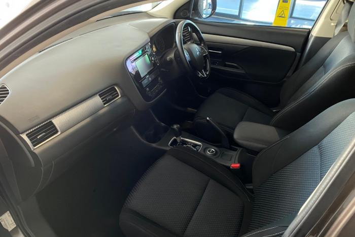 2015 MY16 Mitsubishi Outlander ZK MY16 LS Suv Image 5