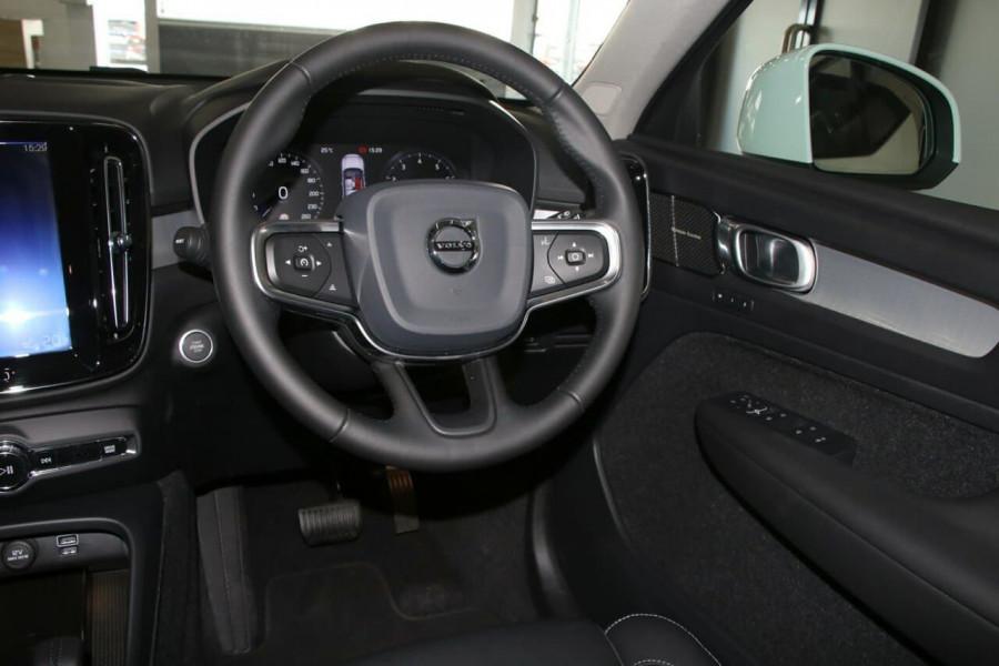 2020 Volvo Xc40 (No Series) MY20 T4 Momentum Suv Image 10
