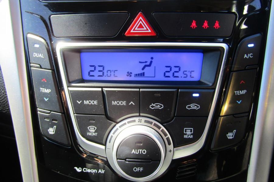 2013 MY14 Hyundai i30 GD2 Premium Hatchback Image 15