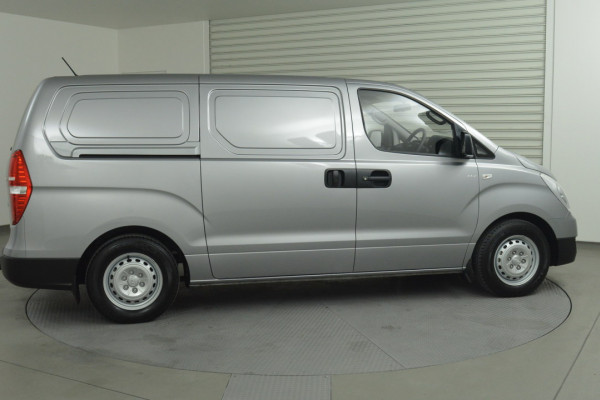 2016 MY17 Hyundai Iload TQ3-V Series II Van Image 2