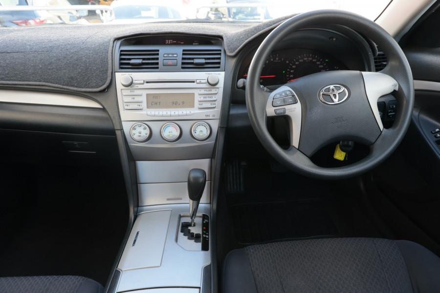 2007 Toyota Aurion GSV40R AT-X Sedan Image 9