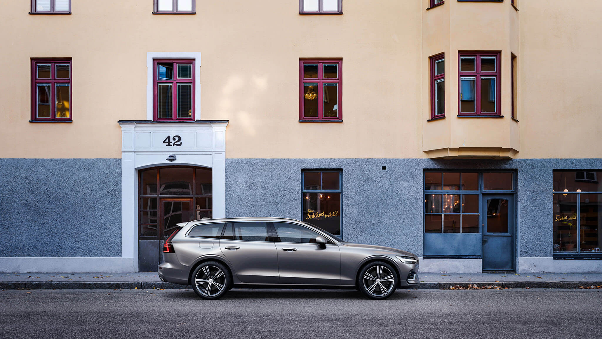 Volvo V60: Explore our Range of Trim Options Image