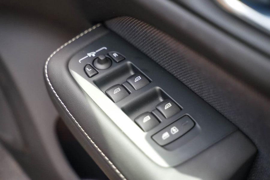 2019 MY20 Volvo V60 F-Series T5 R-Design Wagon Image 15