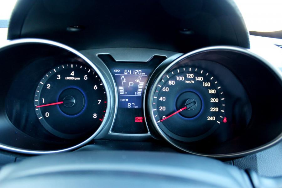 2012 Hyundai Veloster FS Hatchback Image 17