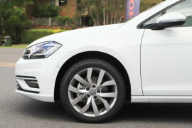 2020 Volkswagen Golf 7.5 110TSI Highline Hatchback Image 4