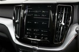 2018 MY19 Volvo XC60 UZ T5 Momentum Wagon