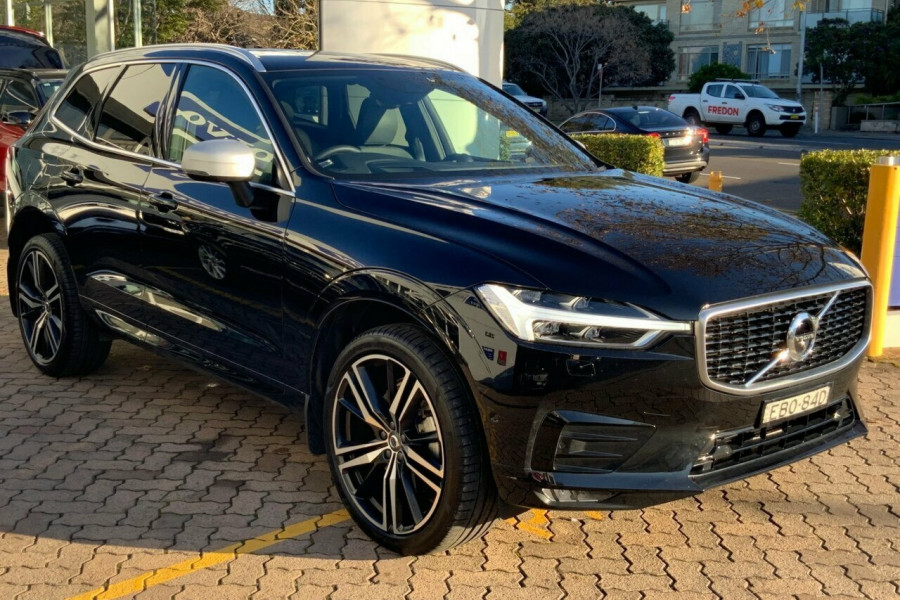 2018 MY19 Volvo XC60 246 MY19 D5 R-Design (AWD) Suv Mobile Image 3