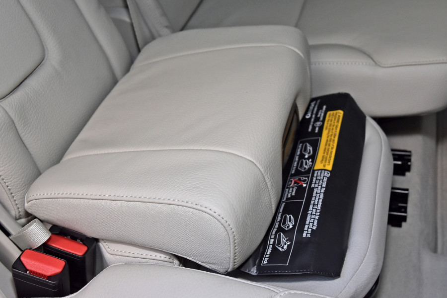 2018 MY19 Volvo XC90 L Series D5 Momentum Suv Mobile Image 21