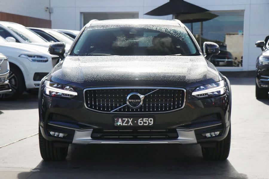 2019 Volvo V90 Cross Country D5 Wagon Mobile Image 2