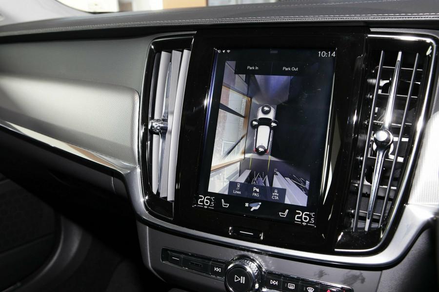 2019 Volvo V90 Cross Country D5 Wagon Mobile Image 13