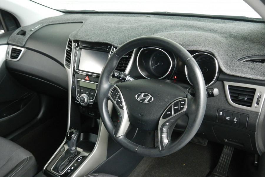 2013 MY14 Hyundai i30 GD2 Elite Hatchback Mobile Image 17