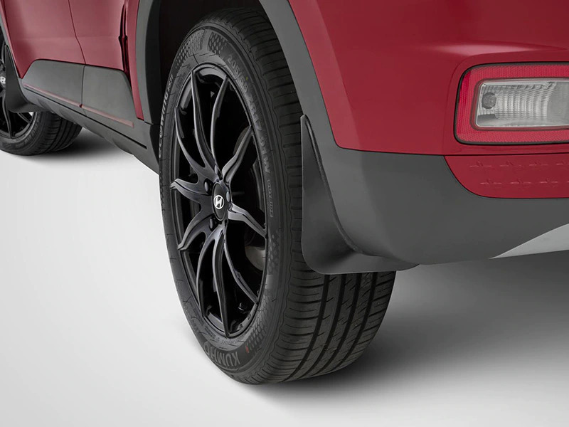 """<img src=""""Front and rear mudflaps"""