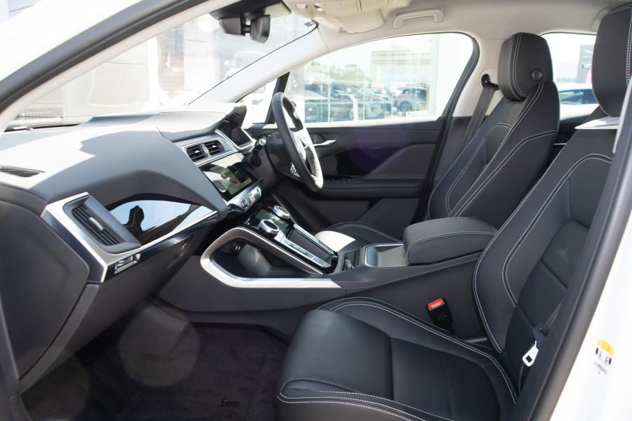 2019 MY20 Jaguar I-PACE X590 SE Hatchback Mobile Image 9