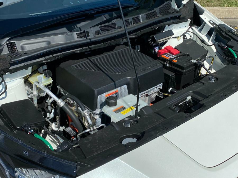 2021 Nissan LEAF ZE1 E Plus Hatchback Image 16