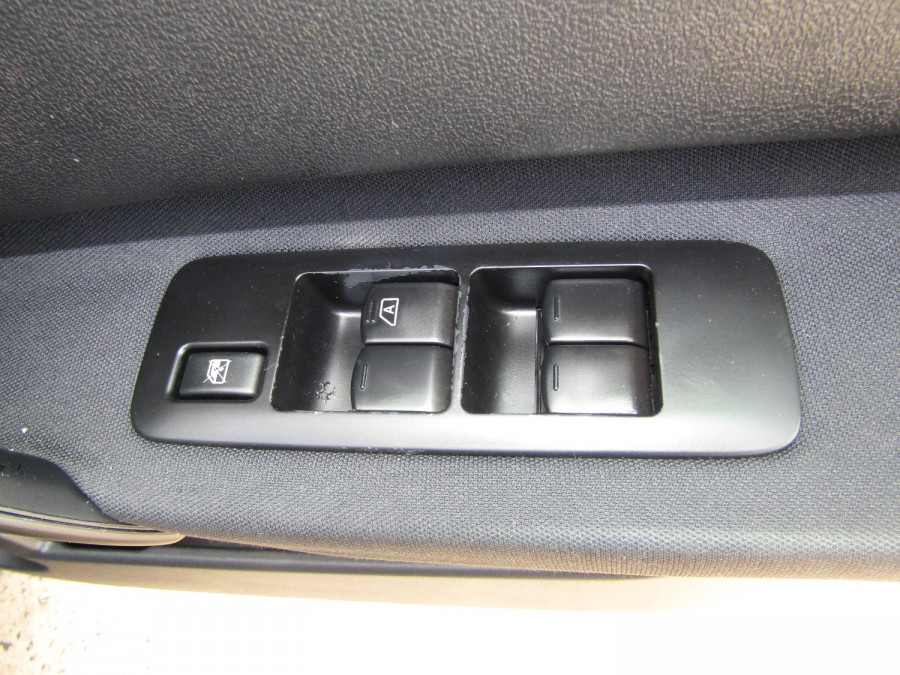 2011 MY10 Nissan DUALIS Hatchback Image 22