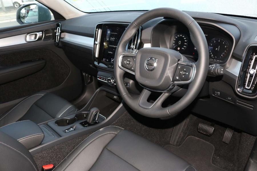 2021 MY20 Volvo XC40 XZ T4 Momentum Suv Image 14