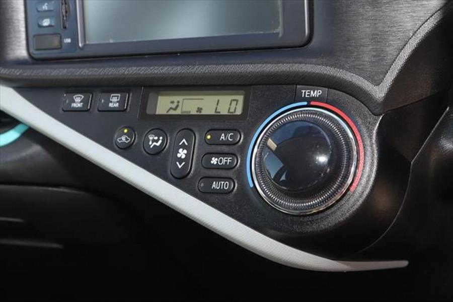 2013 Toyota Prius ZVW30R MY12 Liftback Image 19