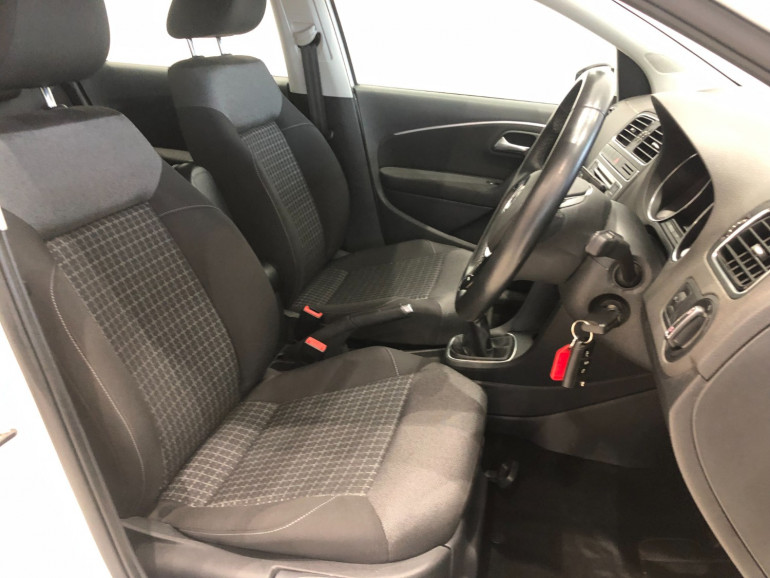 2015 Volkswagen Polo 6R 81TSI Comfortline Hatchback Image 10