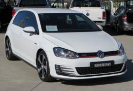 Volkswagen Golf GTI 7