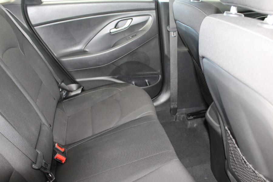 2018 Hyundai i30 PD Active Hatchback Image 9