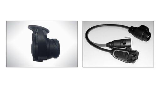 Plug adapter for towbar