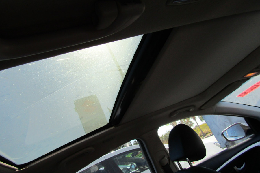 2013 MY14 Hyundai i30 GD2 Premium Hatchback Image 9