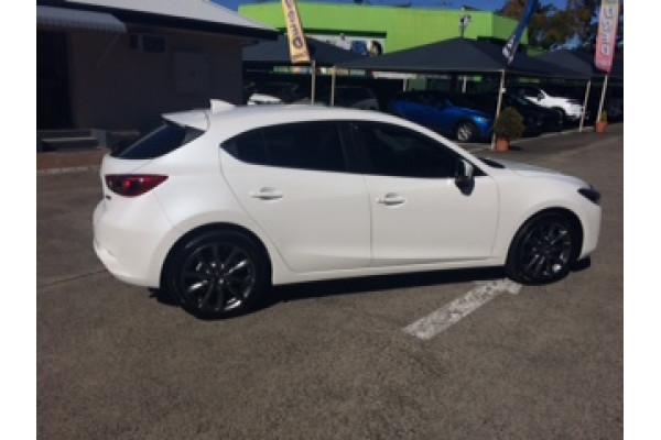2017 Mazda 3 BN5438 SP25 Hatchback Image 5