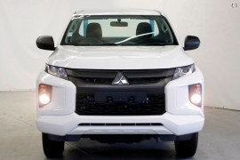 Mitsubishi Triton GLX Single Cab Chassis 4WD MR