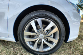 2017 MY18 Hyundai i30 PD Active Hatch Image 2