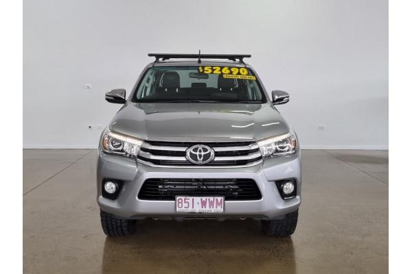 2016 Toyota HiLux SR5 4x4 Double-Cab Pick-Up Utility Image 2