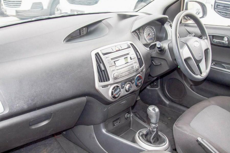 2012 MY12.5 Hyundai i20 PB MY12.5 Active Hatchback Image 6