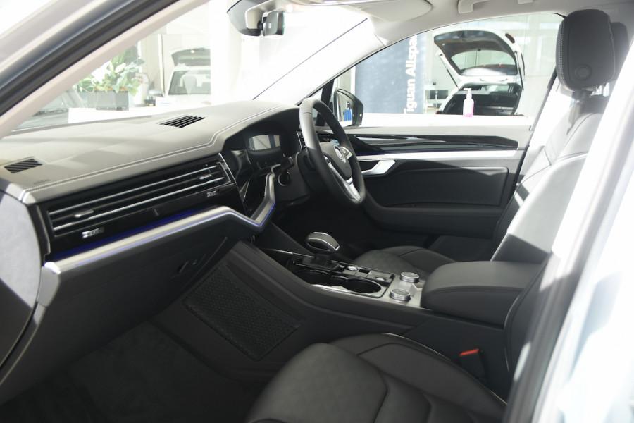 2020 Volkswagen Touareg CR 190TDI Premium Suv Image 6