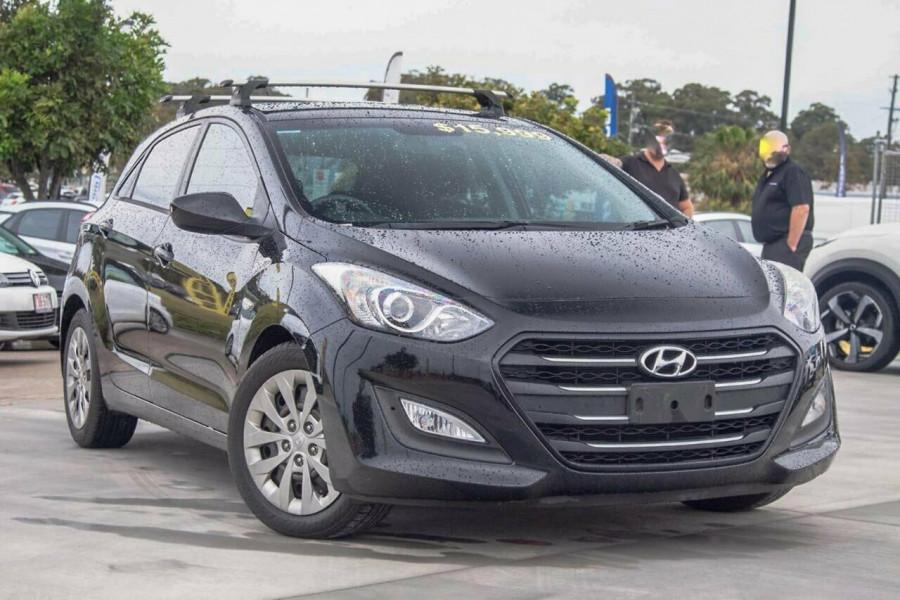 2016 Hyundai i30 GD4 Series 2 Active Hatchback Image 1