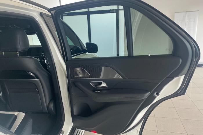 2021 Mercedes-Benz M Class Image 9